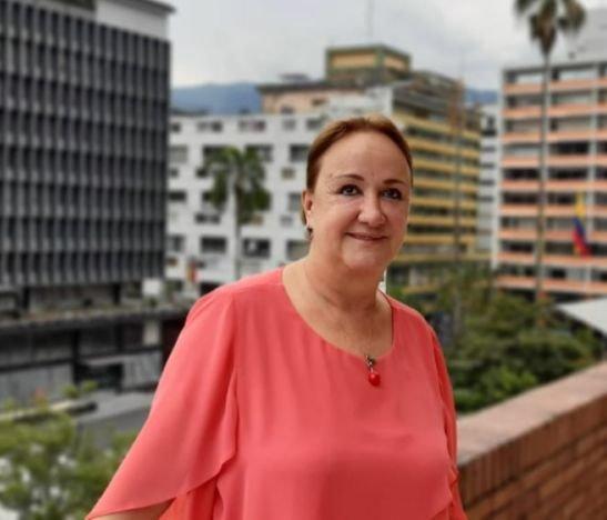 """""""Este es el momento de elegir a la primera mujer en toda la historia del Tolima para ser gobernadora"""": Olga B. González"""
