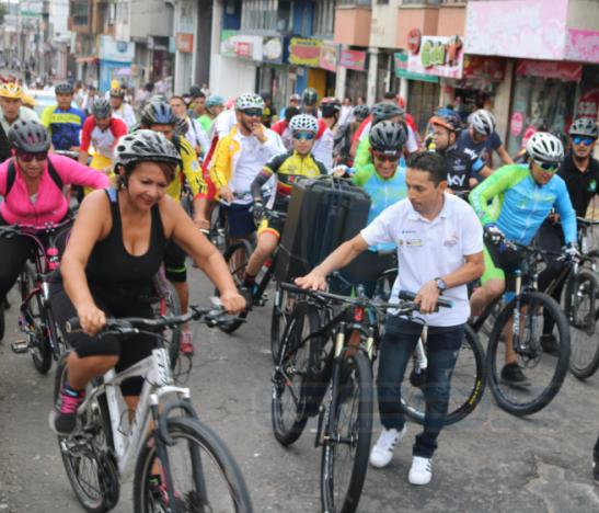 Personas en Bicicleta HD