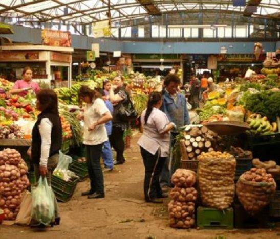 Frutas y verduras empiezan a registrar reducción de precios en las plazas de mercado del país
