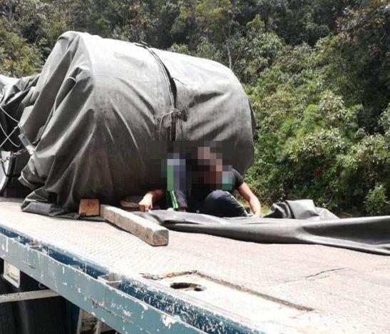 Falleció 'polizón' cuando viajaba en un planchón que transportaba rollos de lámina en la vía a Cajamarca