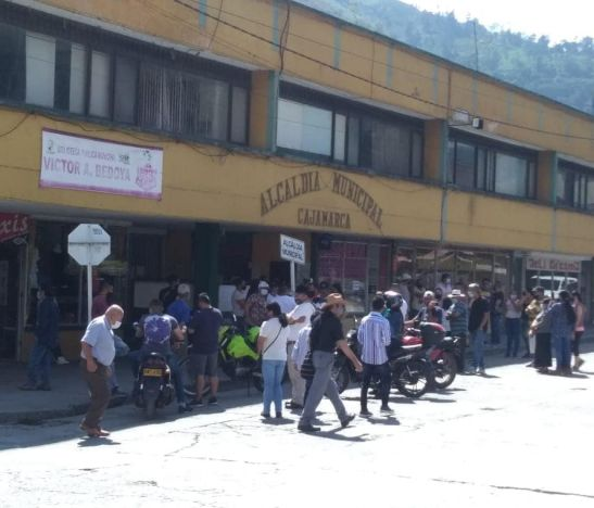 Inconformismo en Cajamarca por toque de queda permanente para este fin de semana