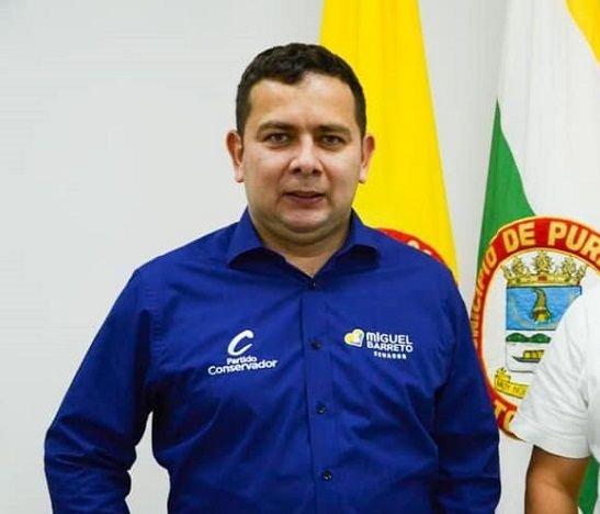 Senador Miguel Barreto apoya proyecto para vía rural de Purificación