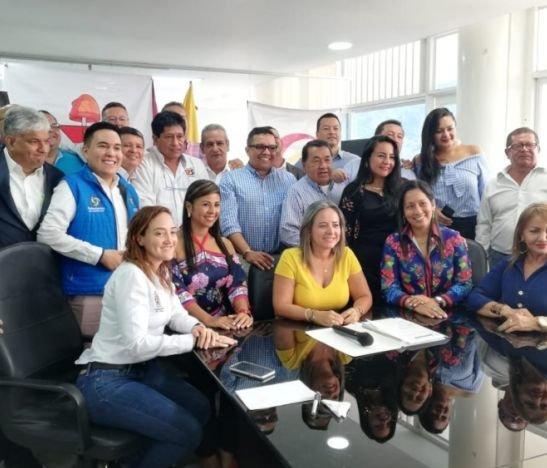 Gobernación del Tolima y sindicatos firmaron acuerdos pactados en las mesas de negociaciones