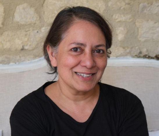 """""""Estoy en desacuerdo con las cuarentenas obligatorias prolongadas debido a que tienen un alto costo en las comunidades"""": Sunetra Gupta"""