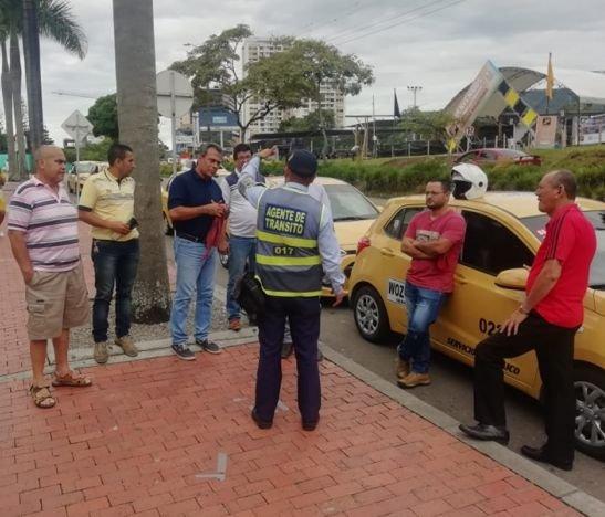 Convocan a movilización contra los agentes ´azules´ de tránsito