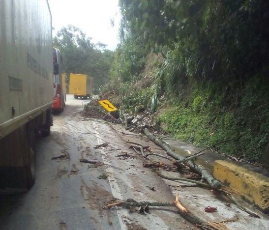 Fue habilitada la vía Ibagué- Cajamarca que estaba cerrada por deslizamiento de tierra