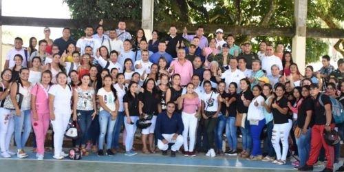 Gobernador del Tolima en Chaparral educación