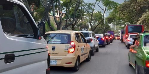 Trancón avenida Pedro Tafur