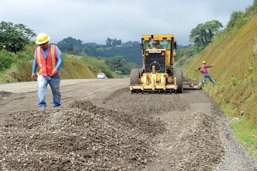 Vía construcción Tolima