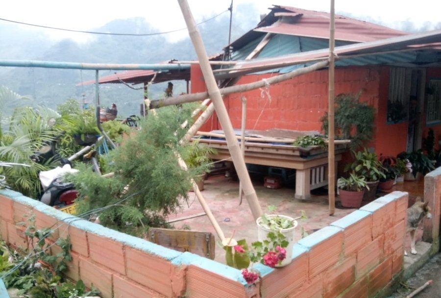 17 familias resultaron afectadas por fuerte vendaval en Villahermosa - Ecos del Combeima