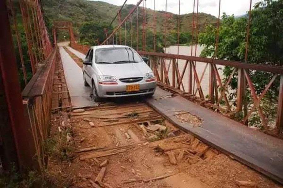HD-Puente Delicias entre Tolima y Huila- 24 de enero